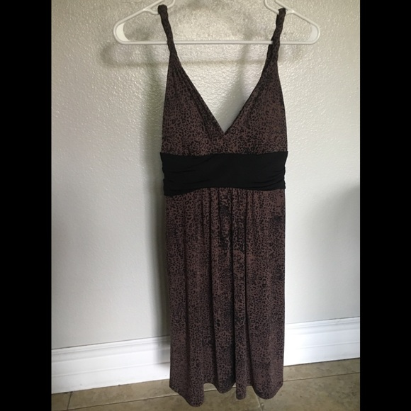 Candie's Dresses & Skirts - Cute leopard print, mid lower thigh dress.